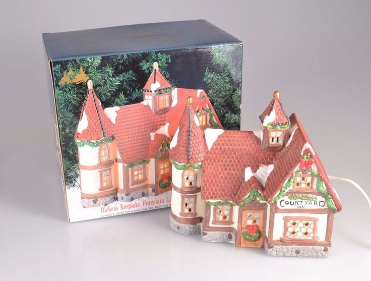 Dickens Keepsake Porcelain Hand Painted Lighted Courtyard Inn Christmas Village