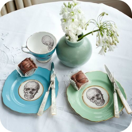 Upcycled vintage ceramics by Melanie Roseavere on www.melodyrose.co.uk
