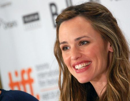 Jennifer Garner Latest News: Actress is Honored for Charity Work at Awards Gala