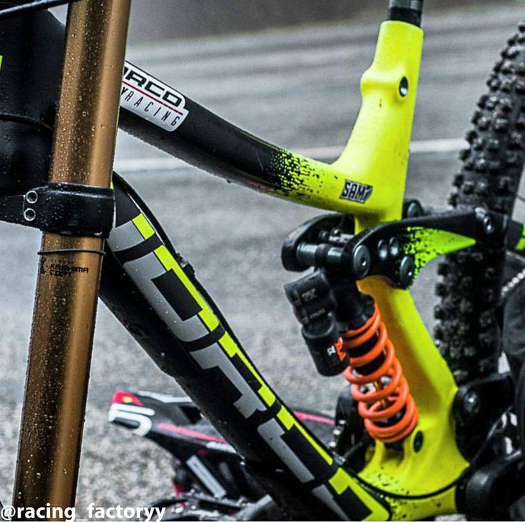 2015 Norco Aurum with FOX suspension #mtb #bikeporn #sick #awesome #new #downhill #norco #aurum #fox #foxfloat #shimano  #raceface #fox40 #foxx2