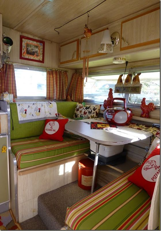 Love the colors - green, red & khaki interior | Glamping - vintage camper - caravan - tiny trailer <O>