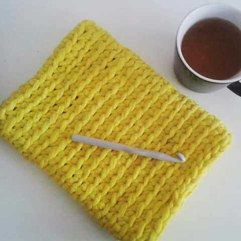 Ipad cover, Ipad sleeve. I love this shade of yellow. Crocheted with Zpagetti / tshirt yarn / trapillo / Cotton Spaghetti. Mamanufaktura creation.