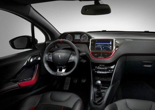 2014 Peugeot 208 GTi Luxury Dashboard 600x426 2014 Peugeot 208 GTi Full Reviews