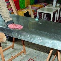 Habiller un plan de travail avec une plaque de zinc
