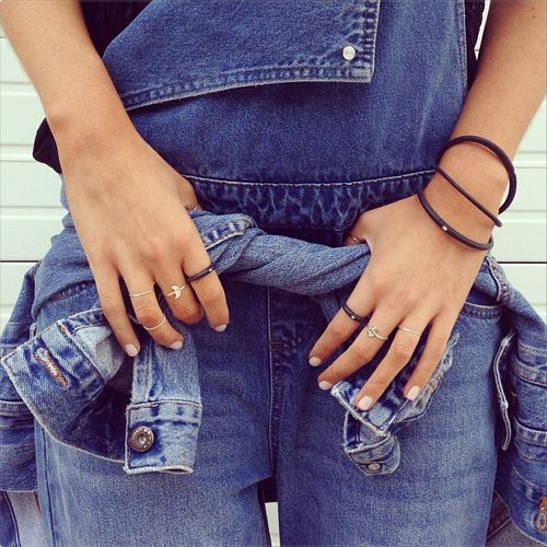 Denim on denim + midi ringsSwallows Rings, Bracelets Style, Nails Denim, Style Inspiration, Denim Fashion, Dungares Nails, Denim Overalls, Denim Jumpsuits, Rings Dungares