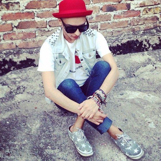 H&M Red Hat, Denim Costume Vest, Capa De Ozono Star Snikers
