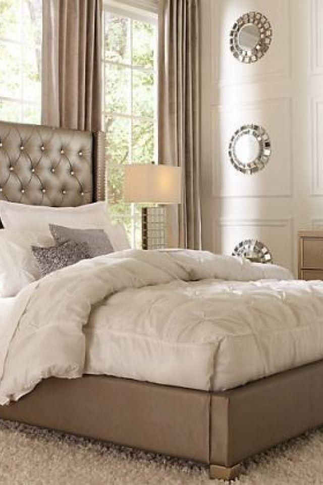 Sofia Vergara Paris Silver 5 Pc Queen Upholstered Bedroom