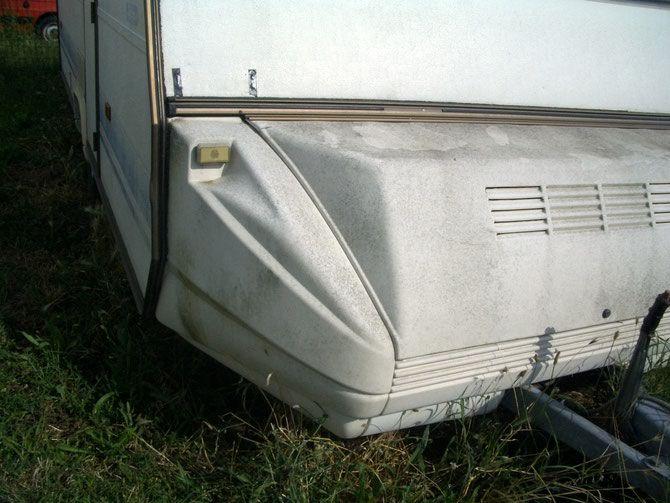 Prima delle Pulizia -  timone di un caravan