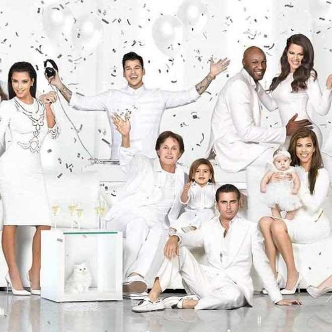 Relive Three Decades Of Kardashian Jenner Christmas Cards E Online Kardashian Christmas Kardashian Christmas Card Kardashian