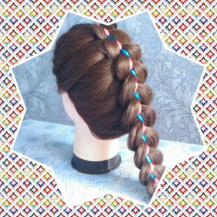 Смотрите видео тут https://youtu.be/tuc78HXhUXE Прическа в школу на 1 сентября. Коса из пяти прядей с лентой на длинные волосы/Hairstyle to school