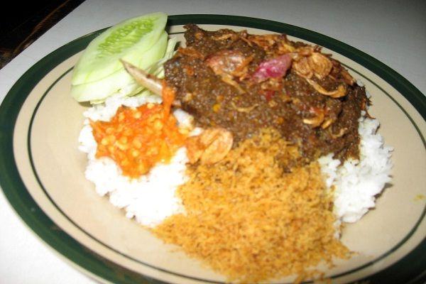Makanan Pedas Yang Menjadi Trend di Indonesia