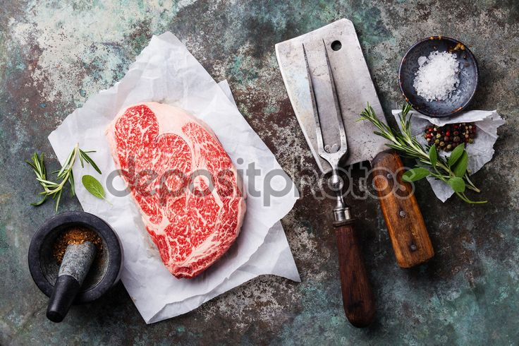 Сырой Блэк Ангус Стейк Рибай - Фондовых Изображения: 72223431