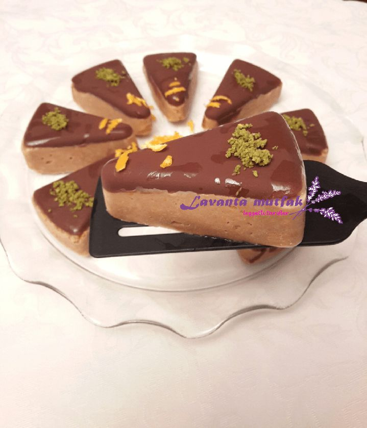 Beyaz Çikolatalı Mozaik Pasta