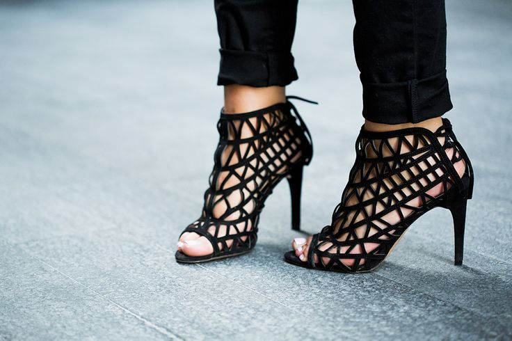 these Zara shoes are just perfect-adds to your (usually dull) office looks