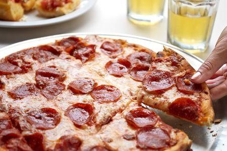Primavera: rodízio de pizza Primavera – Novo Hamburgo: rodízio de pizzas, calzones e massas + bufê de frios e saladas para 1, 2 ou 4 pessoas