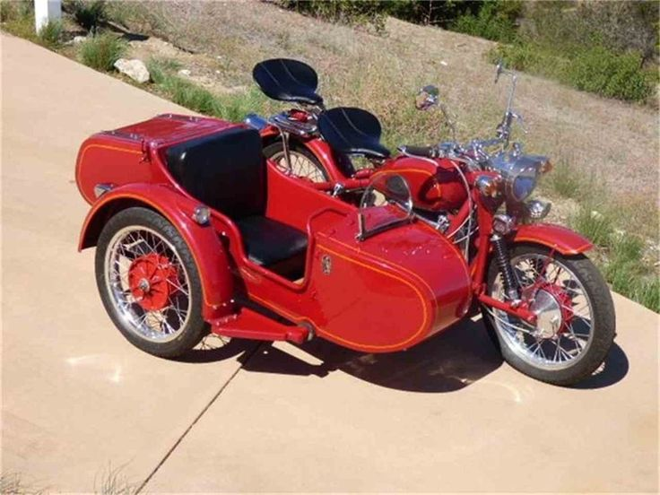 Three-wheelers are popular, but vintage motorcycles with sidecars are cool