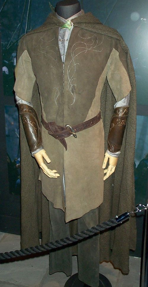 Leggy's costume from LOTR. I want.