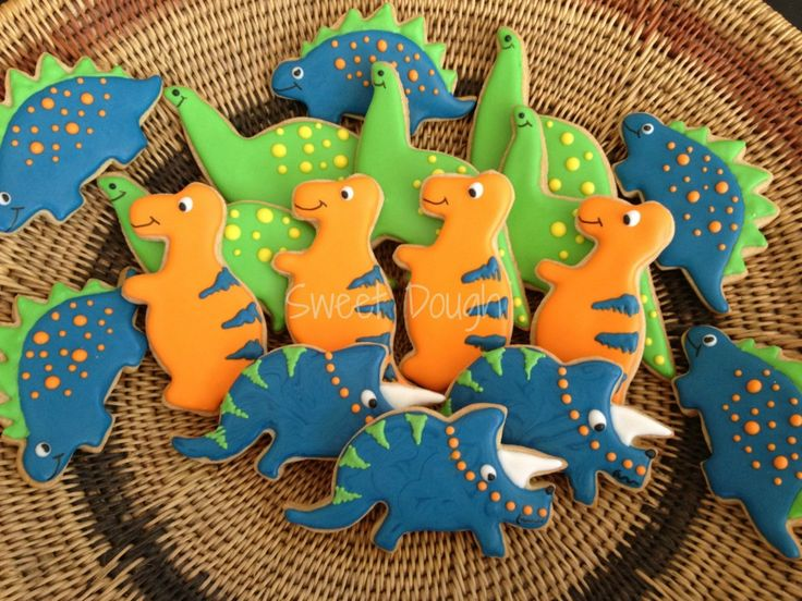 Fondant Dinosaur Instructions