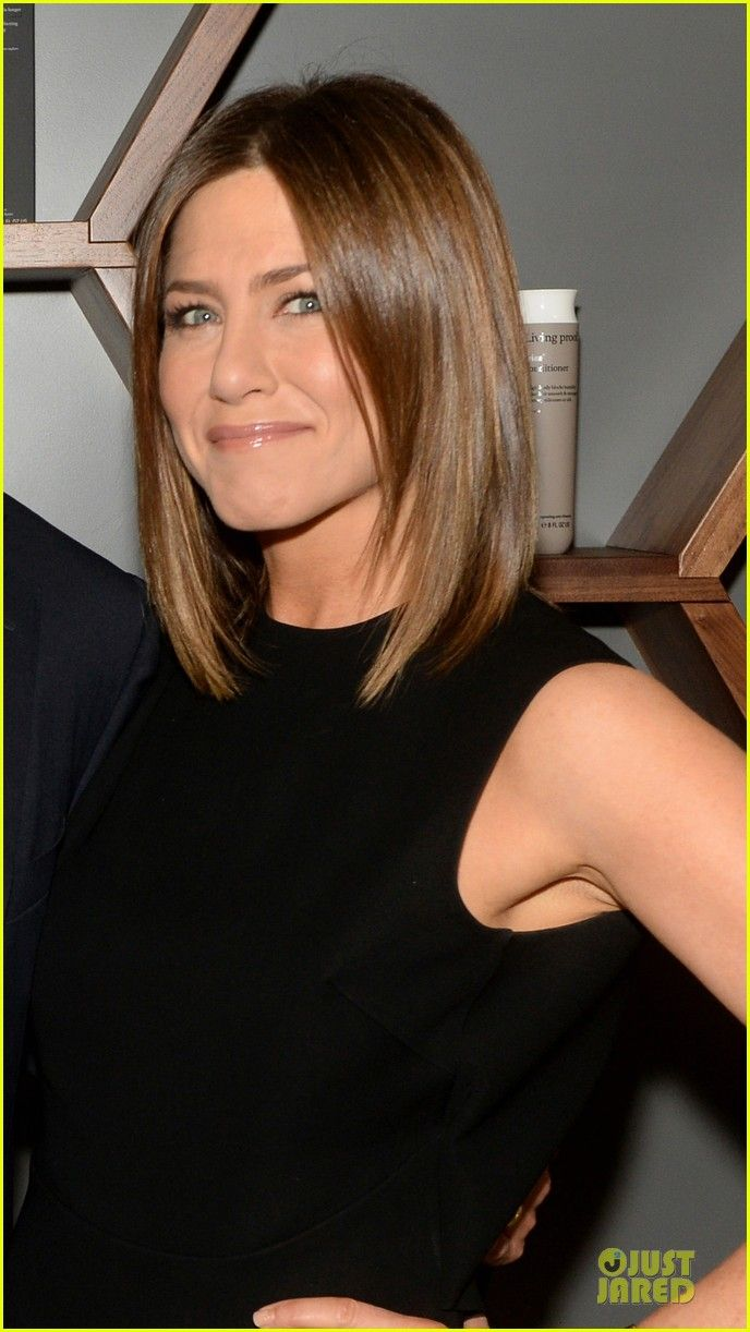 Jennifer Aniston's Hair Is Living Proof of Perfection! | jennifer aniston amazing hair at living proof lab 04 - Photo
