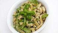 vegansk pastasalat med pesto oppskrift