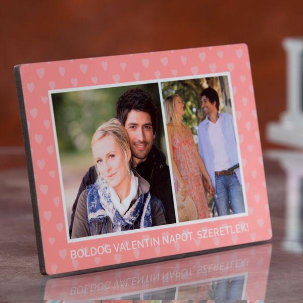 Ha Ön is tanácstalan, hogy mit ajándékozzon Valentin napra kedvesének, netán a közös évforulóra vagy születésnapjára, akkro engedje meg, hogy figyelmébe ajánljuk ezt a rózsaszín, szívecskékkel díszített fa fotópanelt. Egy szál vagy egy csokor vörös rózsa mellé kedves ajándék lehet ez a 2db fényképpel díszített egyedi képkeret. A fényképes fotópanel anyaga fa, felülete fényes, mérete 17,7x13cm, vastagsága körülbelül 6mm. Különlegessége, hogy a képek és a grafika közvetlen a fényes fa…