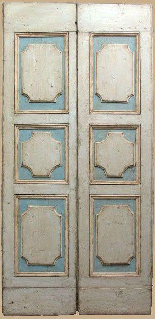 Questa è una porta antica laccata presa dal nostro catalogo di porte antiche originali. Consulta il catalogo!