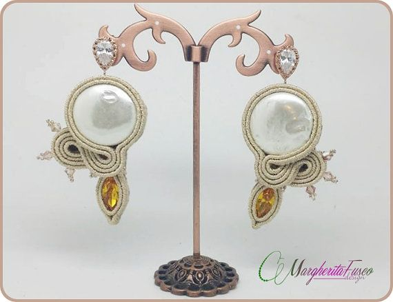 Handmade soutache earrings with freshwater pearls by 75marghe75