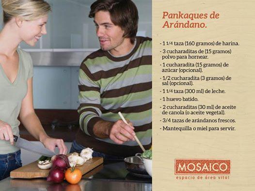 Nada mejor que cocinar en familia.   ¿Qué tal unos pankaques de arándano para empezar el día?   http://es.wikihow.com/hacer-pancakes-de-arándano