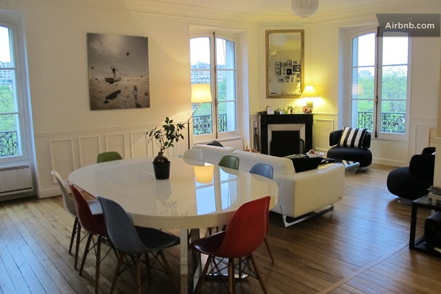 80m² flat next to the Eiffel Tower  in Paris