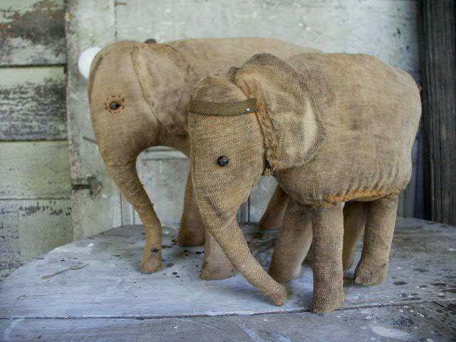 elephants  pattern nettylacroix.com/