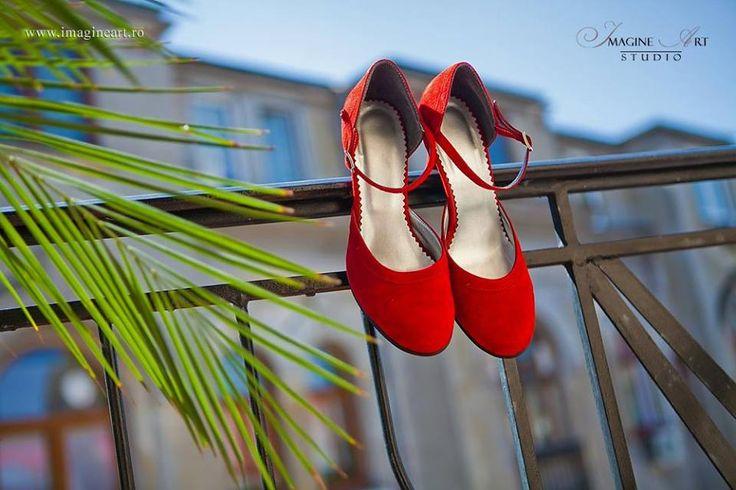 #pantofipictatimanual #aiureashop P.S. Puteti comanda si voi la A!urea o pereche personalizata, asa cum o visati! :)