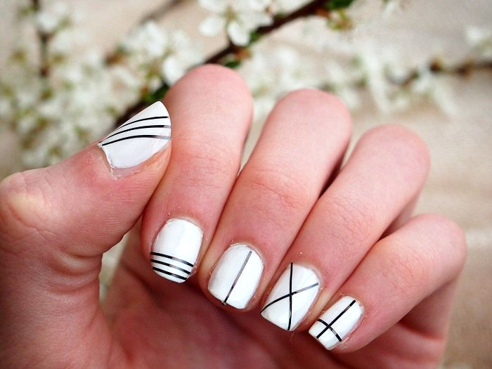 White nailpolish