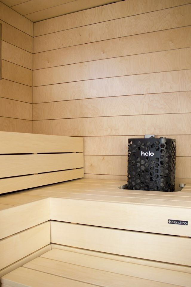 Plywood sauna / Helo