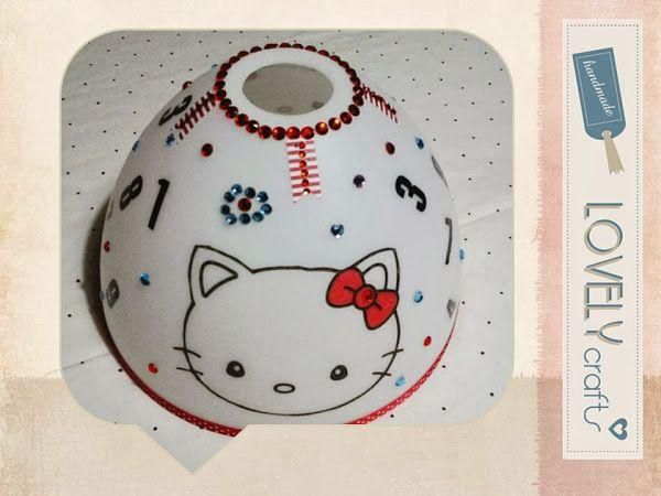 Lámpara infantil de Hello Kitty decorada a mano. ¡Les encantará!