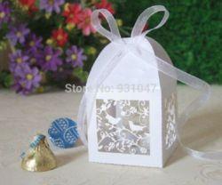Goedkope Event & Party Supplies, koop rechtstreeks van Chinese leveranciers: beschrijvingbruiloft gunst laser sterven gesneden chocolade dozen decoratie vogelkooienMateriaal: parelmoer papier 250gGrootte: 5.5*5.5*8cm(