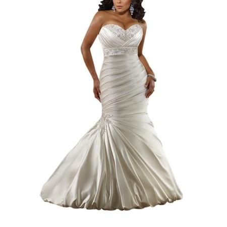Robe de mariée grande taille pas chère. Bustier forme coeur brodé, bas sirène ! Disponible sur www.robe-discount.com