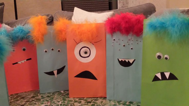 monster party bags #monsterbags #monsterdeco #partyideas #handmadebags #halloweensweetbags #paperbags #paperbagdeco #halloween #sweetsbag