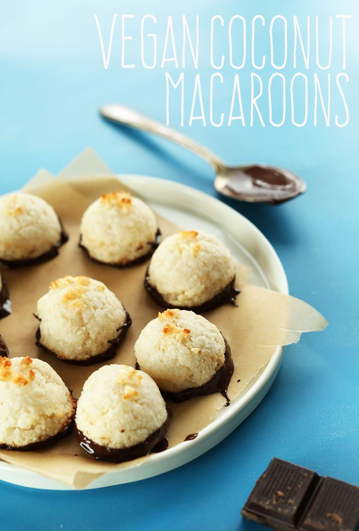 5 INGREDIENT Vegan Coconut Macaroons!  I made these tonight.. Larry & I gobbled them up! :) YUM