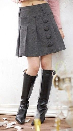 pleated skirt, love the buttons