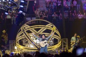 Live Review: Garth Brooks at Moda Center, 4/12