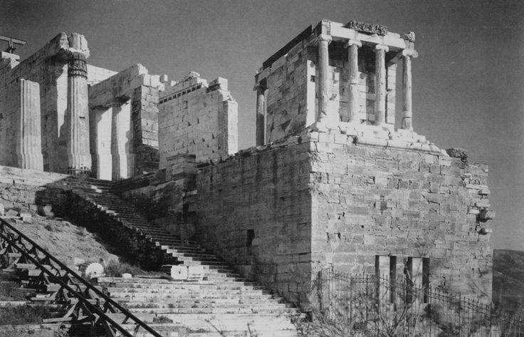 disorienteddreams: Fred Boissonnas - Autour de l'Acropole, Grèce (1908)