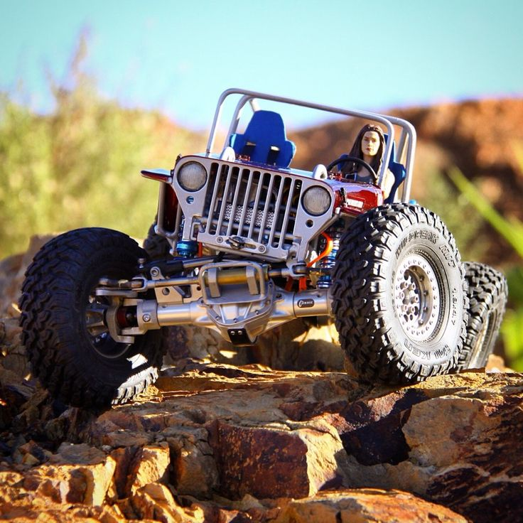 Axial SCX10-based CJ Willys Crawler by Warren Fisher