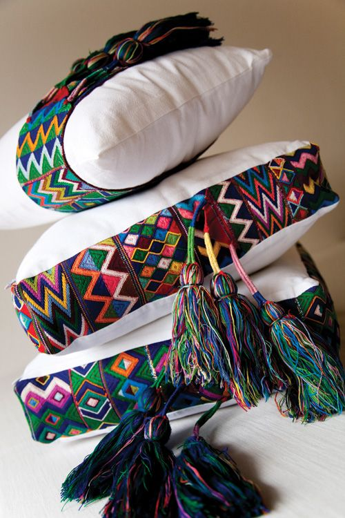 Baños Decorados Estilo Mexicano:Complementos para tu decoración, cojines con diseños inspirados en