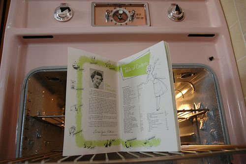 1962 GE time capsule kitchen – for sale. dreamy little oven and pink kitchen island.