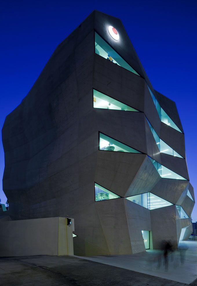 Sede da Vodafone no Porto www.webook.pt #webookporto #porto #arquitectura