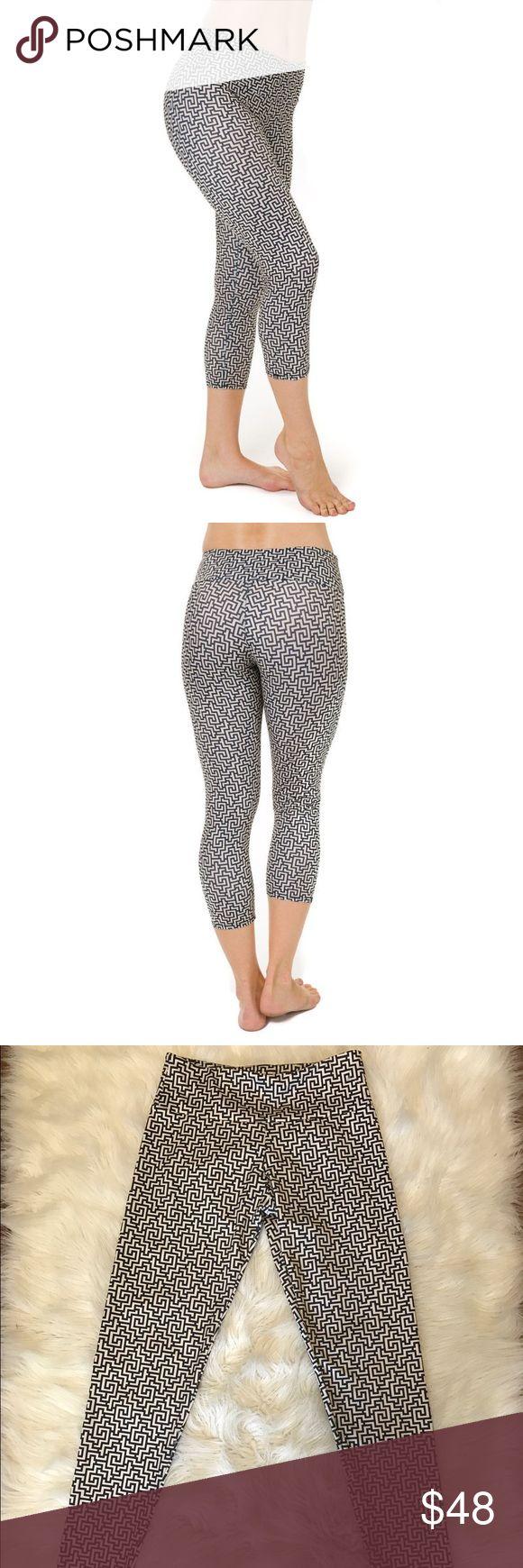 Leggings Onzie long leggings ! Beautiful maze stile! Onzie Pants Leggings