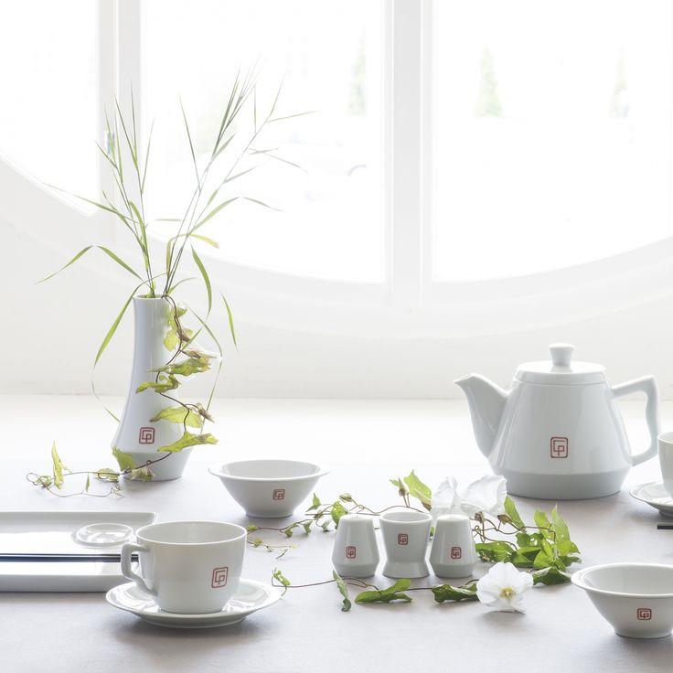 Augarten Wien - After years of development, the designer Gottfried Palatin has created a new service form for the Vienna Porcelain Manufactory Augarten. Shop now https://boulesse.com/en/product/1966/Augarten-Wien/Tea-pot-Tableware-by-Palatin