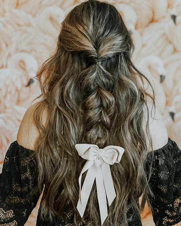 5 Ways To Wear A Black Hair Ribbon Ribbon Hairstyle Hair Black Hair Ribbon