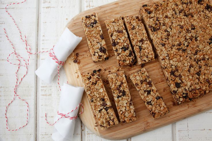 Chocolate chip granola bars are easy to make and perfect for school lunch or after school snacks!