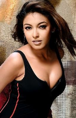 Tanushree Dutta Height, Weight and Age
